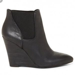 Sole society black so shade wedge Bootie Size 8